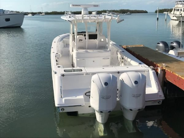 2018 33′ Everglades 335cc for sale | Yacht Works, Inc